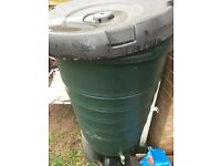 Giant outdoor Waterbutt green 100ltr capacity