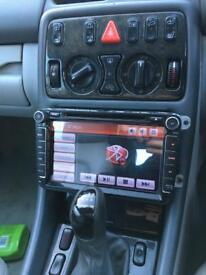 """Xtrons 8"""" Stereo SAT NAV DVD Player"""