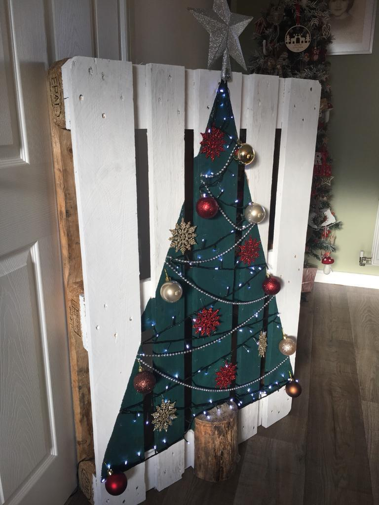 pallet christmas tree handmade shabby chic - Handmade Shabby Chic Christmas Decorations