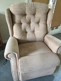 Celebrity Rise and Recline Chair Dual Motor only 4 months use