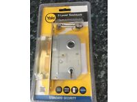 YALE 3 Lever Sashlock Standard security for internal wooden doors with handles. New and unused