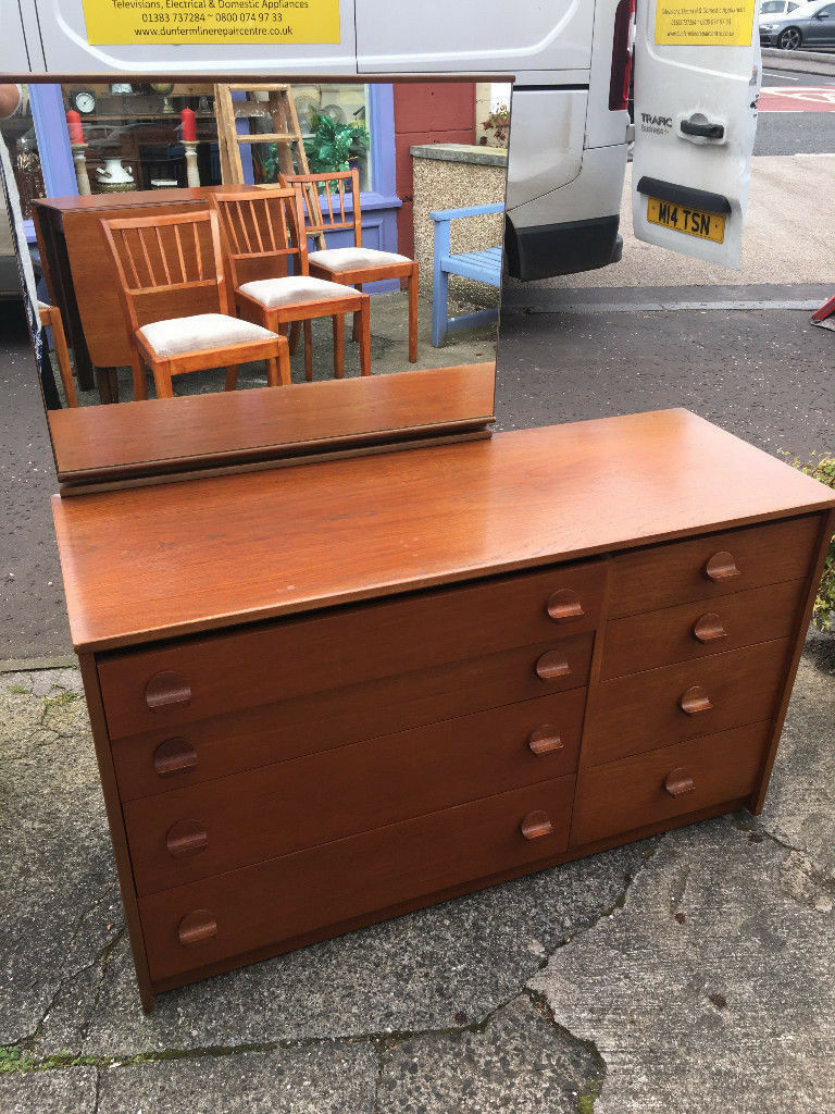 Splendid Vintage Stag Double Chest of 8 Drawers Solid Wood Handles & Mirror Back