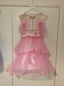Disney Princess Aurora Dress Up