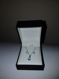 14CT White Gold with Swarovski Zirconia Pendant with Chain & Earring set - £30!!!