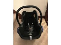 Maxi Cosi Cabriofix seat with base