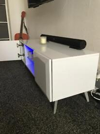 Retro high gloss tv/storage unit