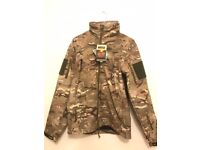 COMPLETELY NEW AND UNUSED CAMOUFLAGE WATERPROOF JACKET SIZE SMALL   MILITARY