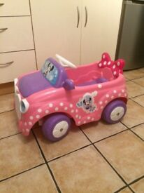 Minnie mouse electric car