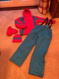 Kid ski jacket and salopettes