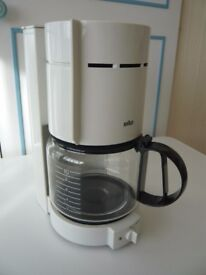 Braun automatic coffee maker Aromaster for 10 cups – white