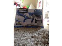 "Zoomer Dino ""snap tail"""
