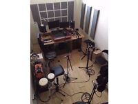 🎸🎸Soundproofed Music Studio ideal for DJ's, Producers & Musicians [✔]24/7 Access [✔]SuperFast Wifi