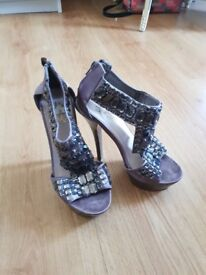 Ladies Miss KG grey heels