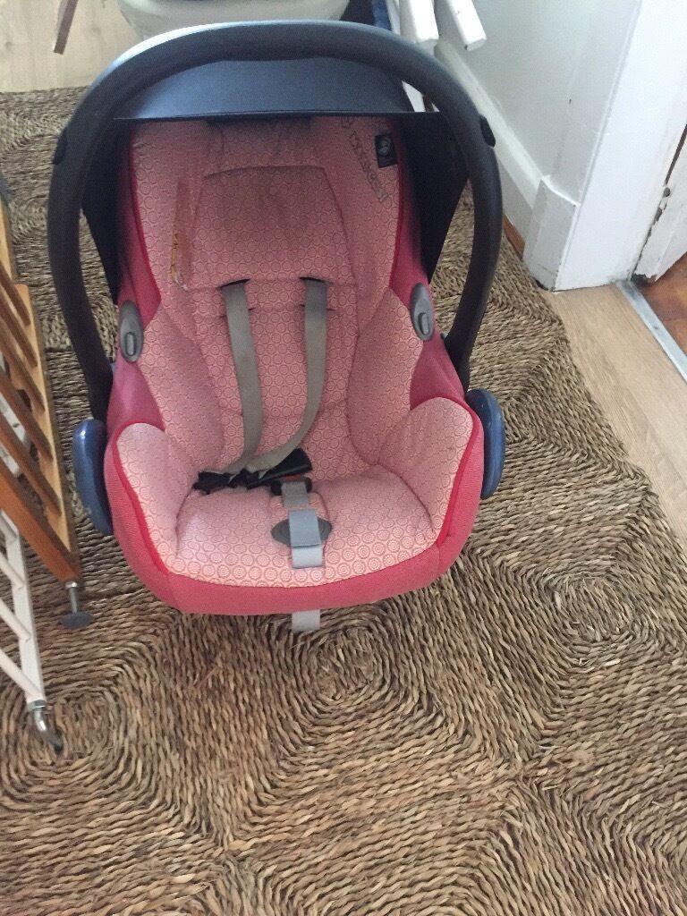Maxi cosi pink car seat
