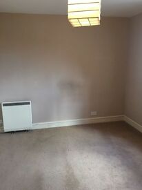 Double room to rent in 2 bed flat in Ashington, West Sussex