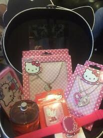 New never been used Hello kitty gift set in beauty case