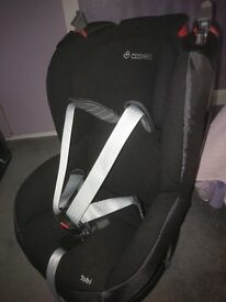 Black Maxi-Cosi Tobi Booster Seat for 9 months to 4 years