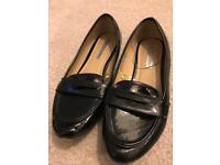 Black patent shoes size 5