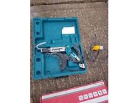 makita autofeed screwdriver with Collated Drywall Screws