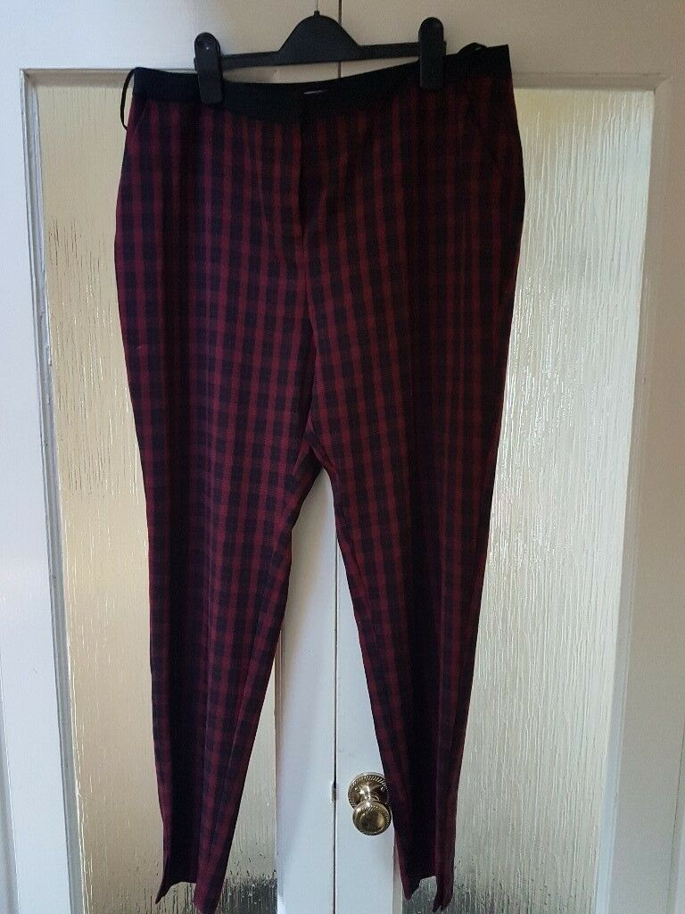 Ladies size 14 trousers