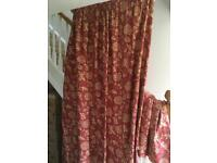 Heavy curtains fully lined