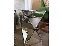 Mirrored glass 3D triangle side tables