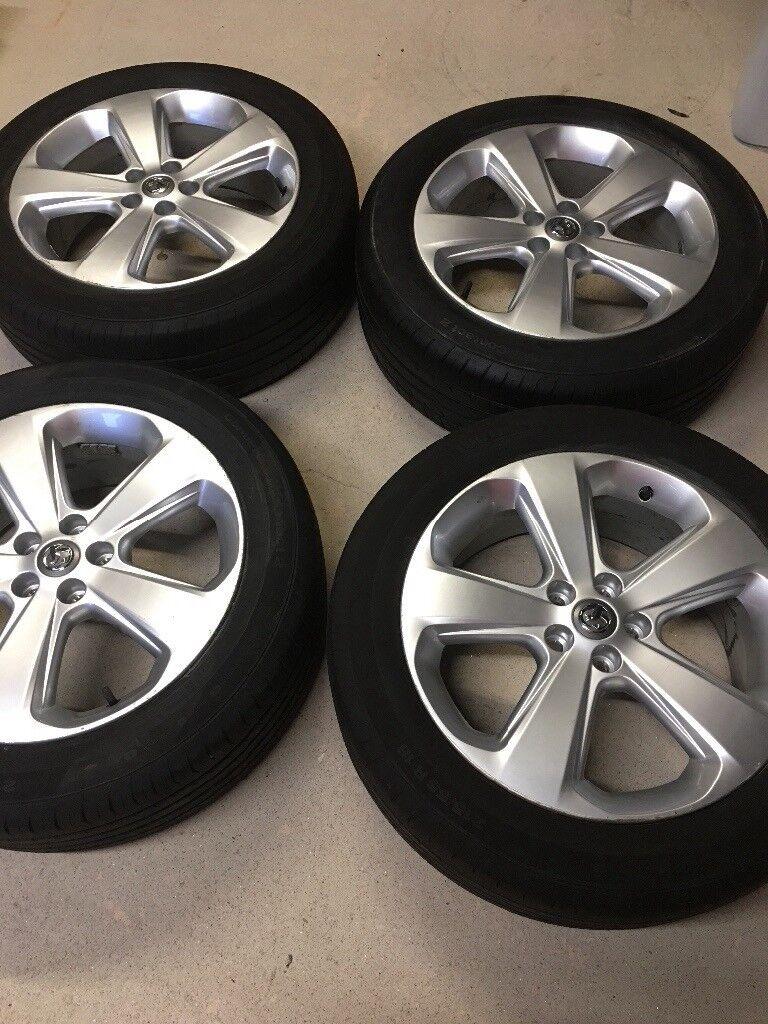 "4 x Original Vauxhall Mokka ( 2014 ) 18"" Sterling Silver ( GM part: 9518156) Alloy wheels, c/w tyres"