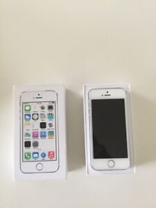 Silver iphone 5s 16GB with all the accessories, UNLOCKED!!!