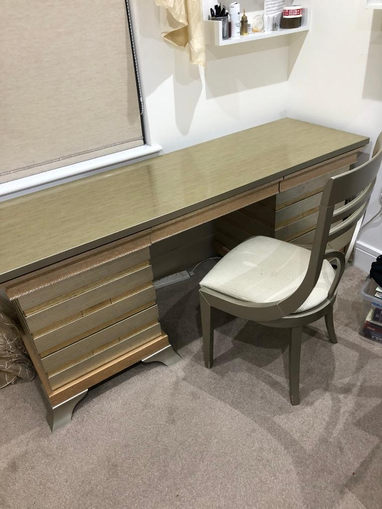 Dressing Table Chairs And Stools: Bedroom Furniture Italian Dressing Table And Chair
