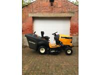 Cub Cadet XT2 ride on tractor mower