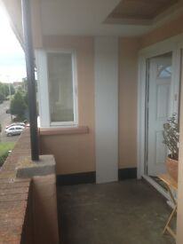 Top flood 2 bedroom flat in lethan perth