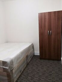 FURNISHED: DOUBLE ROOM: NEXT TO EASTHAM STATION: 2 BATHROOMS + LIVING ROOM: ALL BILLS INC PLUS WIFI