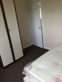DOUBLE ROOM AVAILABLE AT CANNING TOWN WITH NO DEPOSIT + FREE TV