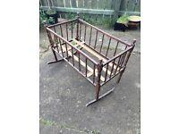 Vintage Baby Crib, needs restotation.