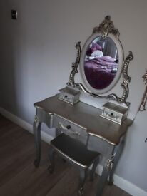 Tolouse silver dressing table