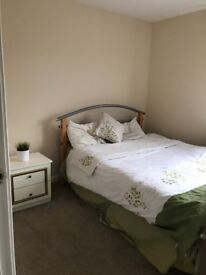 Double room ensuite in large townhouse