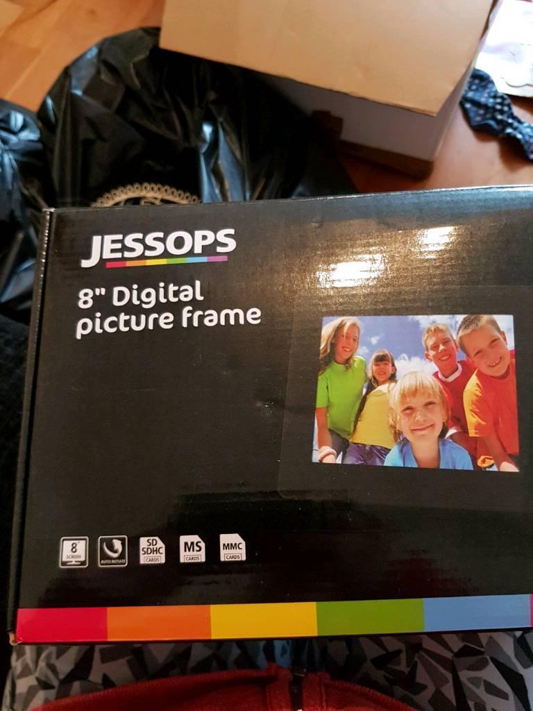Brand new 8 inch digital photo frame