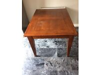 Wooden extendable table and 4 leather chairs