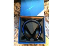 Sony Gold 2.0 wireless surround sound headset for PS4 PS3 & Vita