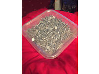 New & Unused. 1.5kg tub of 30mm Clout Nails. 6 Tubs available.