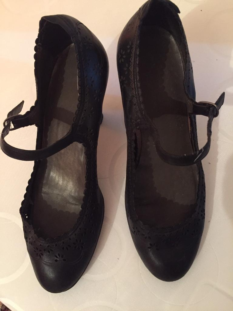 Shoes Size 4, Black ,Clarksin Tower Hamlets, LondonGumtree - Shoes Size 4, Black ,Clarks, hardly worn, still in a good condition