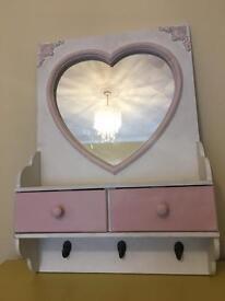 Mirror display unit girls bedroom