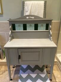 Victorian wash-stand or side-board, with tiled back.