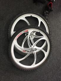 "26"" Magnesium Mountain bike wheels, 10speed, disc"