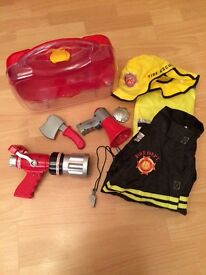 Fire fighter outfit and set