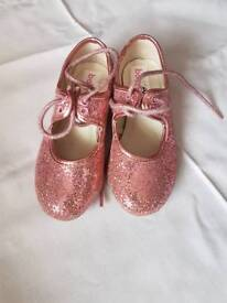 Tap shoes size 8 Inf