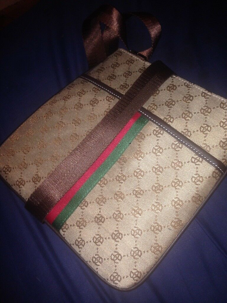 Brand New Men s Gucci Messenger Bag Pouch   in Grangetown, Cardiff ... 922888b8cc