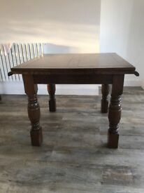 Beautiful extendable antique dinning room table