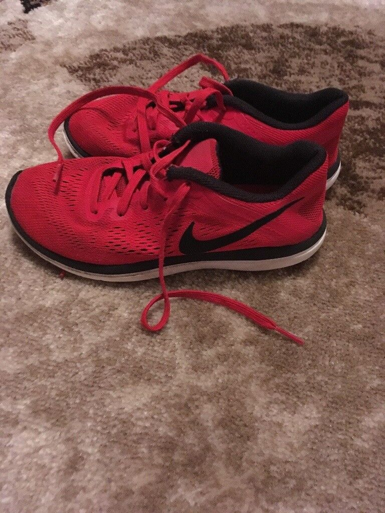 Junior trainers size 3 Nike
