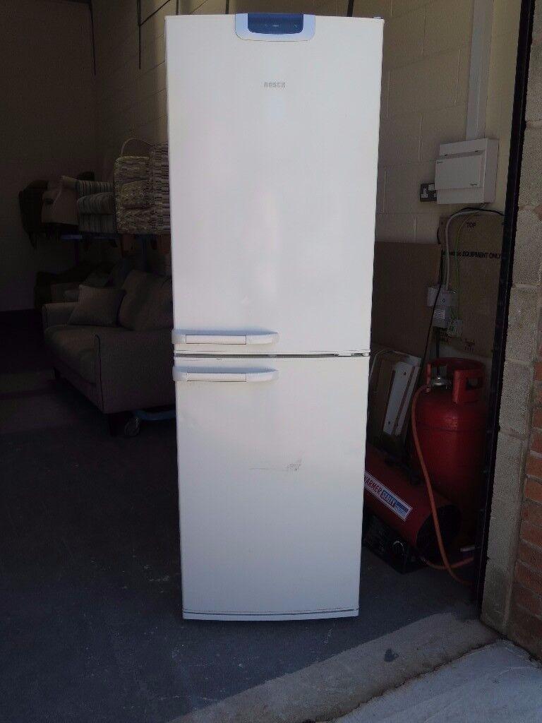 White BOSCH KGU32124GB 185cm high Frost-Free Fridge Freezer